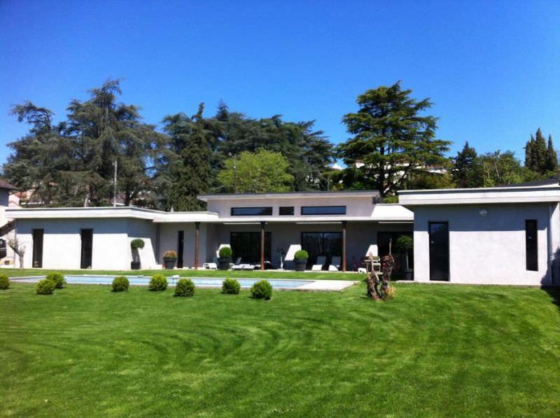 modèle maison 300 000 euros