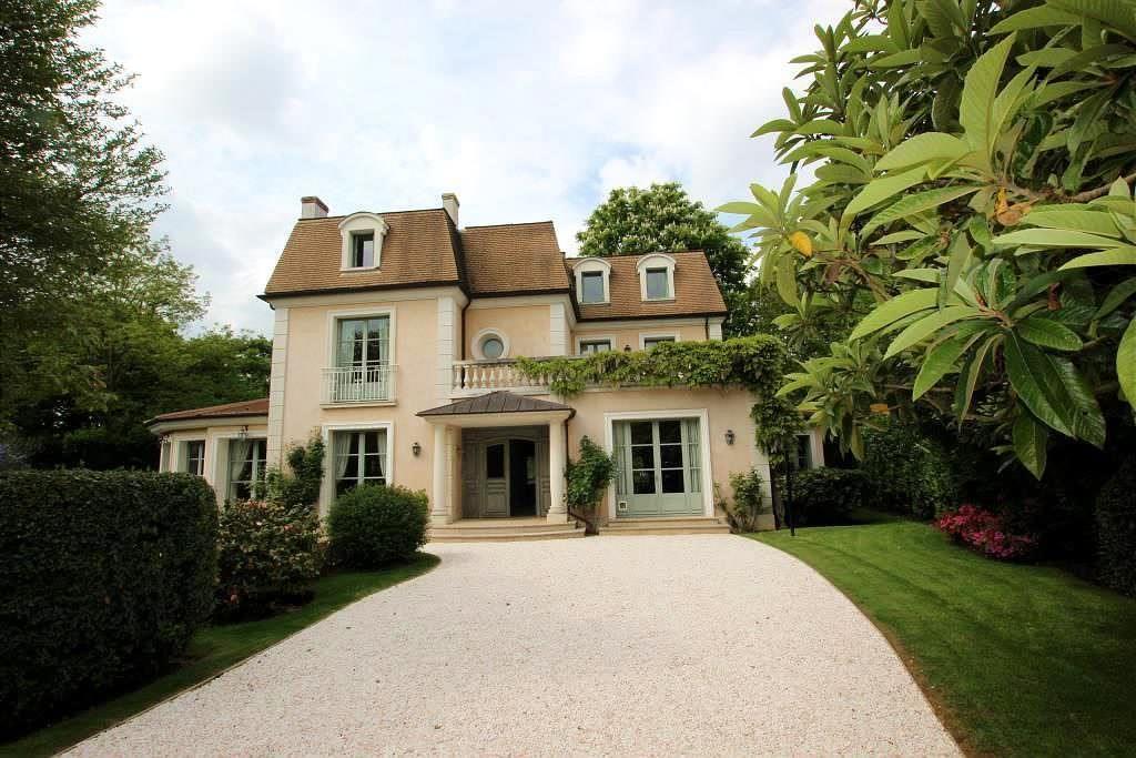 image maison 300 000 euros