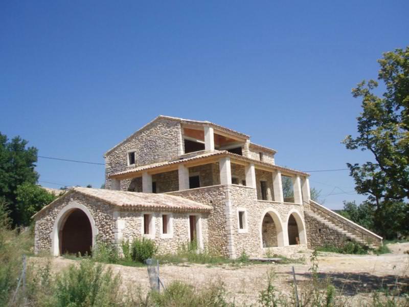 modèle maison en pierre
