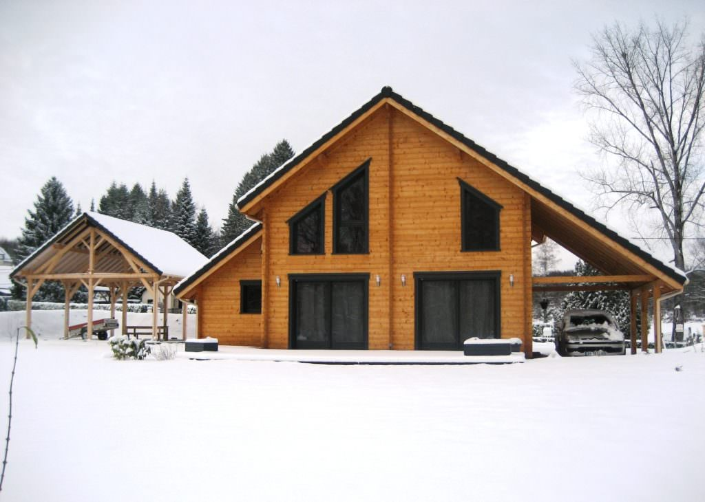 illustration maison bois kit