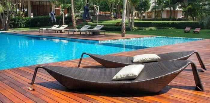 mobilier de jardin piscine