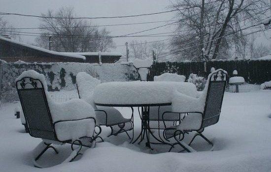 Entretien des mobiliers de jardin en hiver