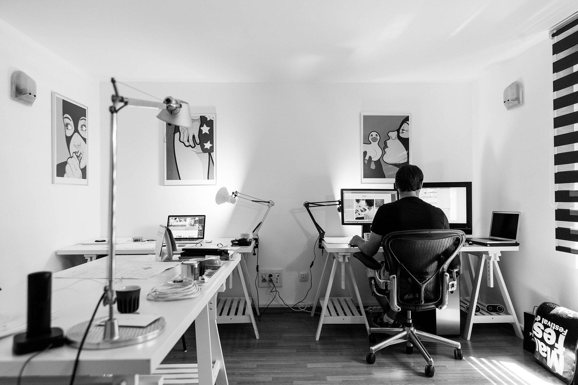 bureau gaming dans votre salon